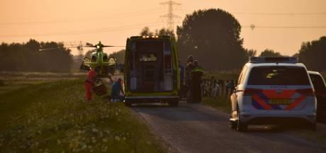 Traumahelikopter landt om gewonde wielrenner te helpen