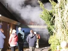 Veel rook bij schuurbrand in Willemsoord
