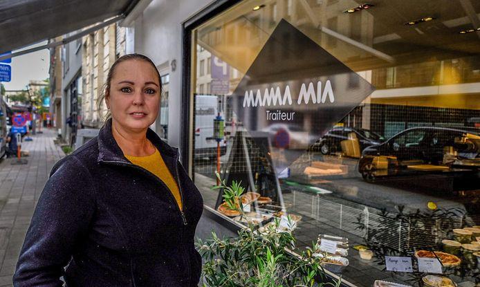 Mariska Callens, bij haar traiteurzaak Mamma Mia in Kortrijk. Van de toekomstige saladebar Odette Saladette in Waregem bestaan nog geen beelden. Dat is voor later