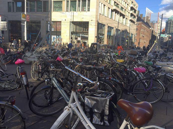 De Grote Marktstraat op zo maar een vrijdagmiddag.
