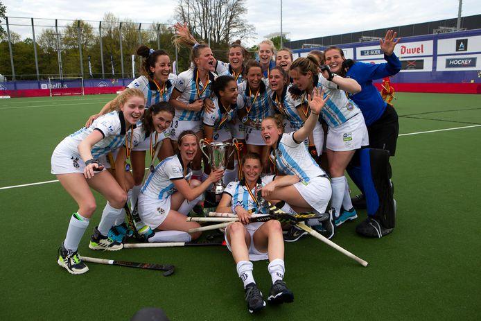 De landstitel 2020-2021 is voor Gantoise. In Antwerpen werd twee keer gewonnen tegen Dragons.
