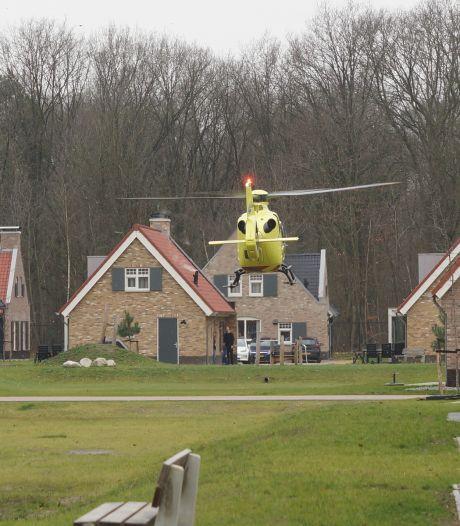 Kind valt uit raam van vakantiehuisje en raakt zwaargewond in Kaatsheuvel