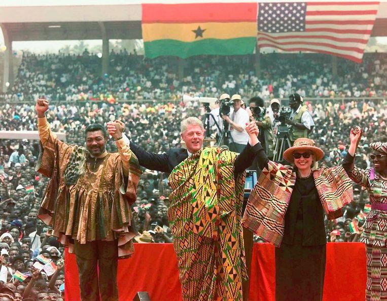 Jerry Rawlings met Bill en Hilary Clinton in 1998.  Beeld AP
