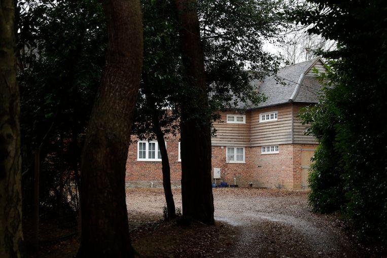 In dit huis in Farnham, Engeland, zou gewezen MI6-spion Christopher Steele al een maand ondergedoken leven. Beeld AP