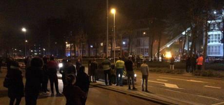 Brand in flat op Gerdesiaweg, bewoners opgevangen in Sporthal Kralingen
