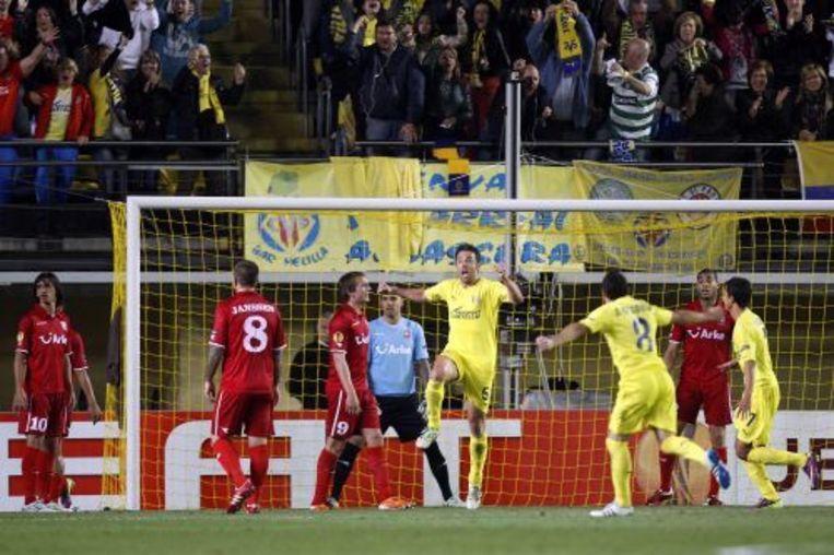 Carlos Marchena zet Villareal op 1-0. ANP PRO SHOTS Beeld
