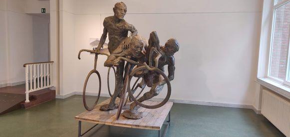 Het beeld 'De Veldrijders' van Jan De Groef.