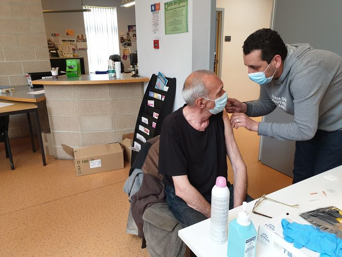 Alain (Henri Jacques) Legrand était ravi de faire partie des premiers sans-abri de Charleroi à se faire vacciner