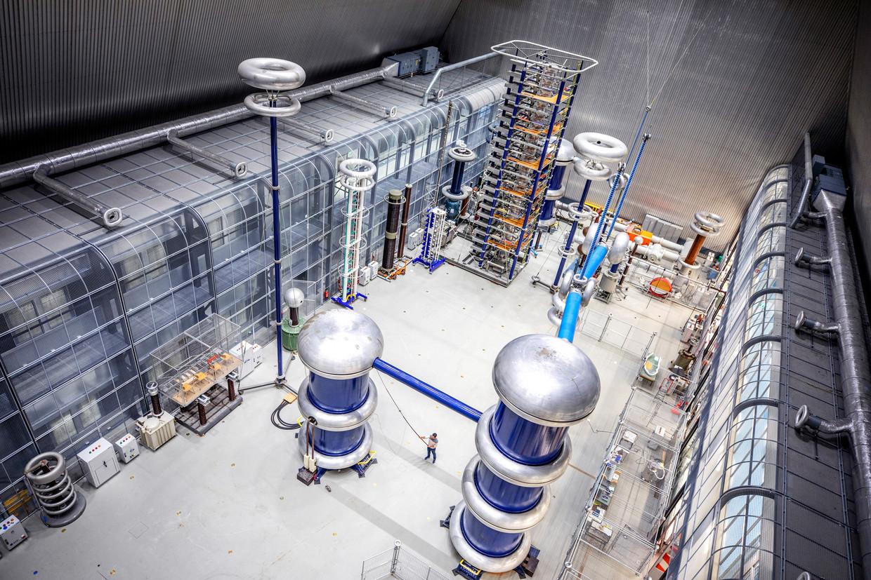 Het nieuwe Electrical Sustainable Power Lab aan de TU Delft.  Beeld Raymond Rutting / de Volkskrant