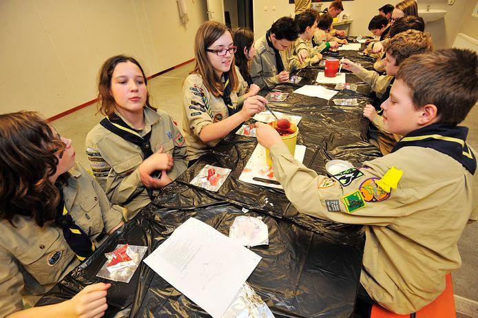 Scoutingactiviteit in het tijdelijke onderkomen van de Oisterwijkse scouting (2012).