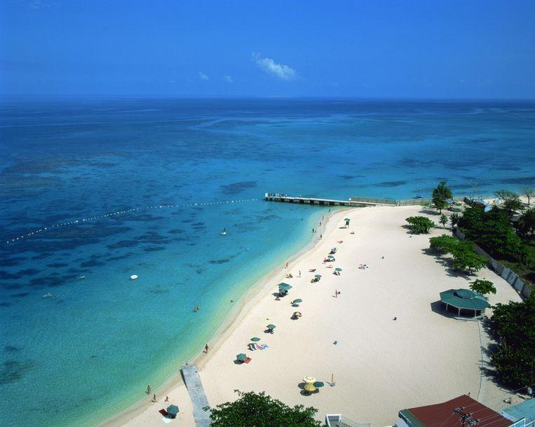 Een strand op de Seychellen.  Beeld