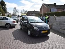 Gewonde na botsing tussen twee auto's in Westerhaar