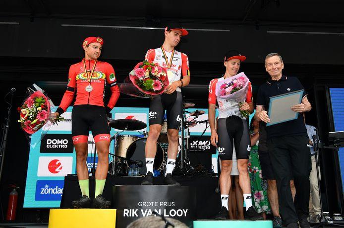 Twee jaar geleden won Viktor Verschaeve de tweede Grote Prijs Rik Van Looy voor Lennert Teugels en Thomas Vereecken. Keizer Rik Van Looy mocht hen huldigen.