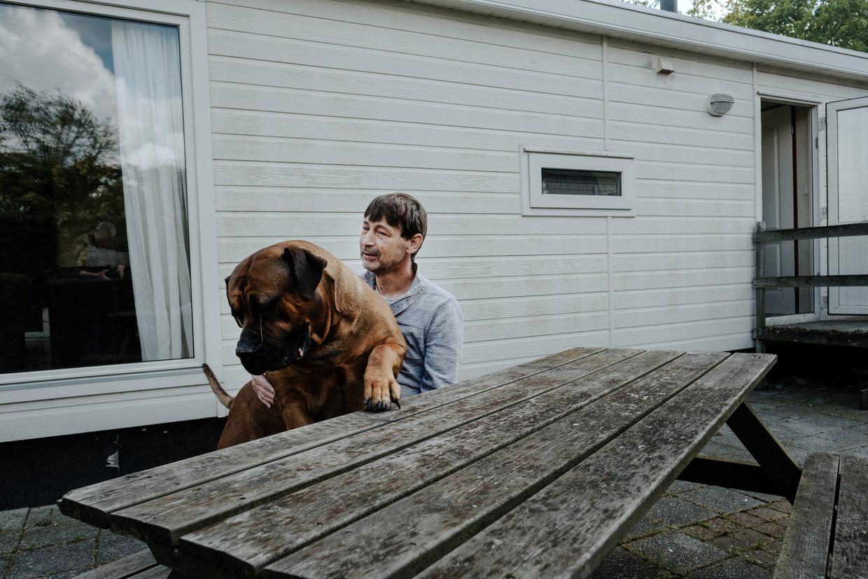 Marco Addicks woont nu op een vakantiepark. Zijn sociale huurwoning in Utrecht staat nog altijd leeg.