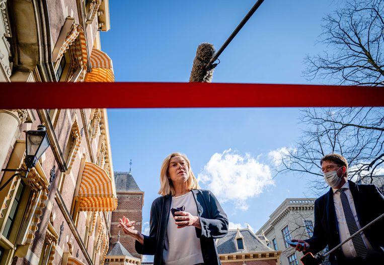 Sigrid Kaag bij aankomst op het Binnenhof voor de wekelijkse ministerraad.  Beeld Bart Maat, ANP