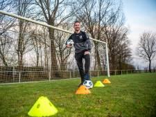 Sander (26) leert straatarme Ghanese kinderen voetballen: 'Het wordt één groot voetbalfeest voor ze'