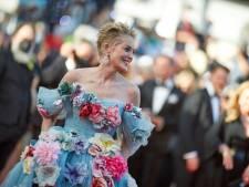 Sharon Stone débarque comme une fleur sur le tapis rouge du Festival de Cannes