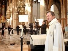 Kerstavond: Stille Nacht achter de webcam en een 'Hitchcock-momentje' voor de predikant