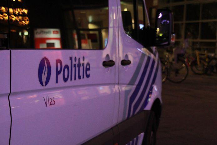 Politiezone Vlas (Kortrijk, Kuurne, Lendelede) kon de man arresteren.