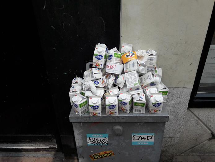 Een drinkyoghurtpakjeskerkhof