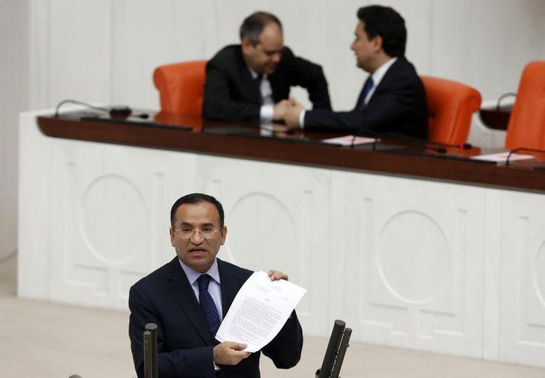 De Turkse minister van Justitie Bekir Bozdag Beeld reuters