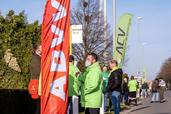 PUURS Vakbondsactie voor Novartis en Alconlabs