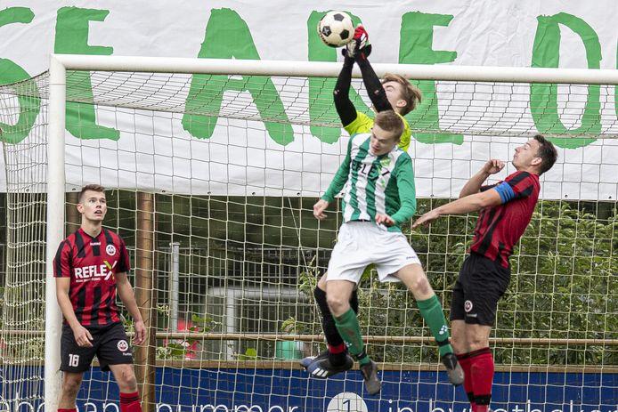 SVVN (groen-wit) begint met de derby tegen plaatsgenoot De Zweef.