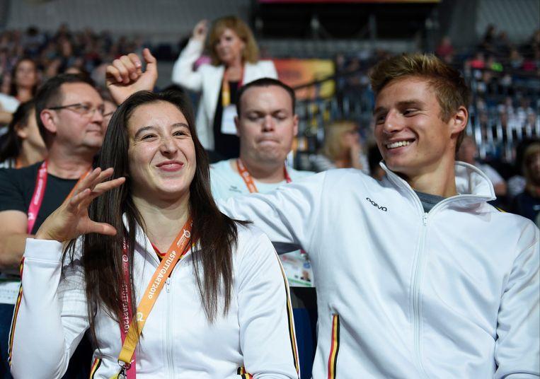 Nina Derwael volgde de competitie in de zaal met haar vriend Siemen Voet.