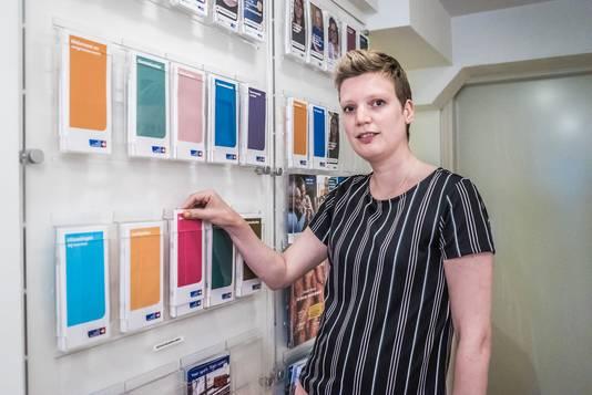 Inloophuis Debora Delft - Hanneke Stolk  Karl Flieger schrijft het verhaal