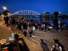 Weer overlast op Wellekade in Deventer door feestende jongeren, politie grijpt niet meer in
