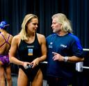 Sharon van Rouwendaal met coach Philippe Lucas.
