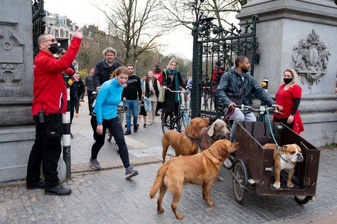 Het Vondelpark is een populaire locatie onder hondenbezitters.