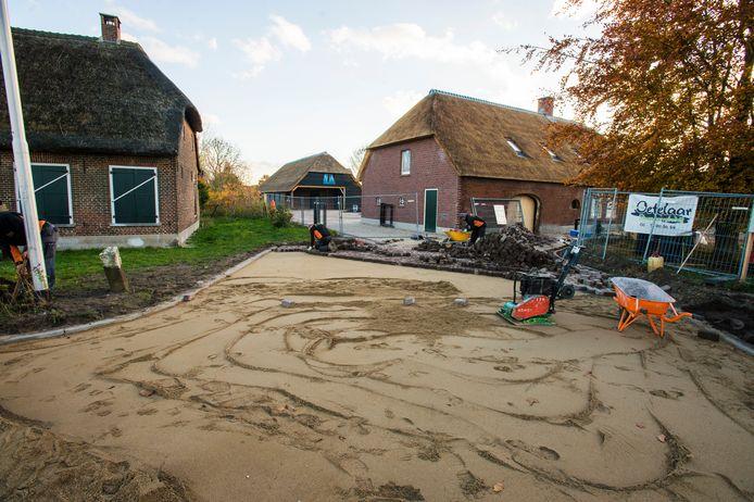 De werkzaamheden aan een uitrit hebben geleid tot een hoog oplopende burenruzie aan de Broekstraat in Tilburg.