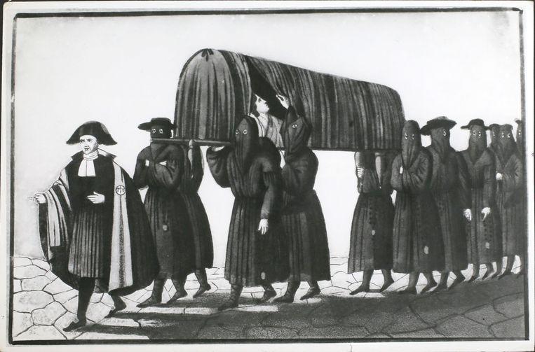 Ambulancebroeders in Florence met zwarte maskers op, rond 1754. Beeld Getty Images