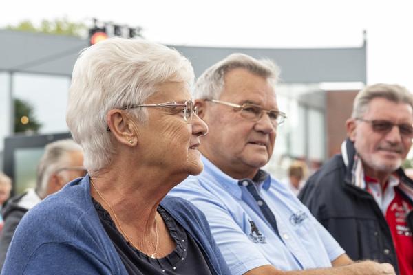 Martha en Hans Schoonaard, fans van het eerste uur.