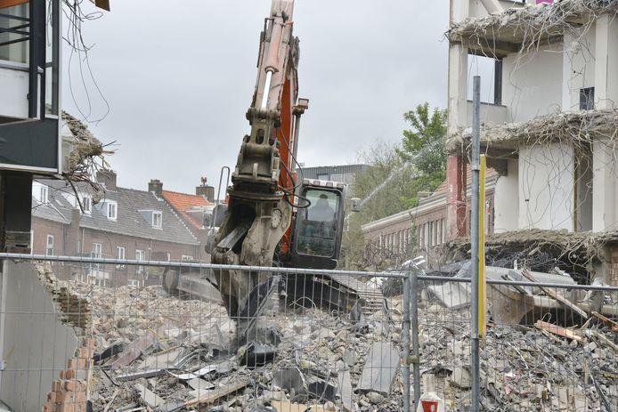 Sloop oude Rabobank aan Markendaalseweg Breda.