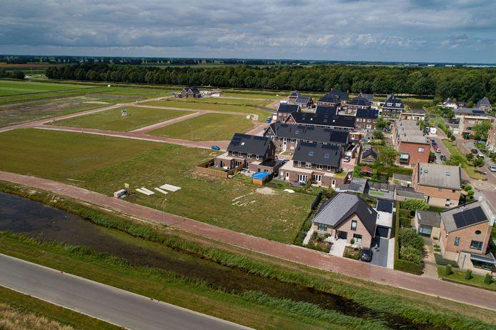 Komen er snel woningen aan de linkerkant van de nieuwbouwwijk in Marknesse? Veel particulieren durven het risico niet te nemen vanwege een lopende rechtszaak.