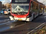 Bus rijdt tegen bestelbus op in Eindhoven
