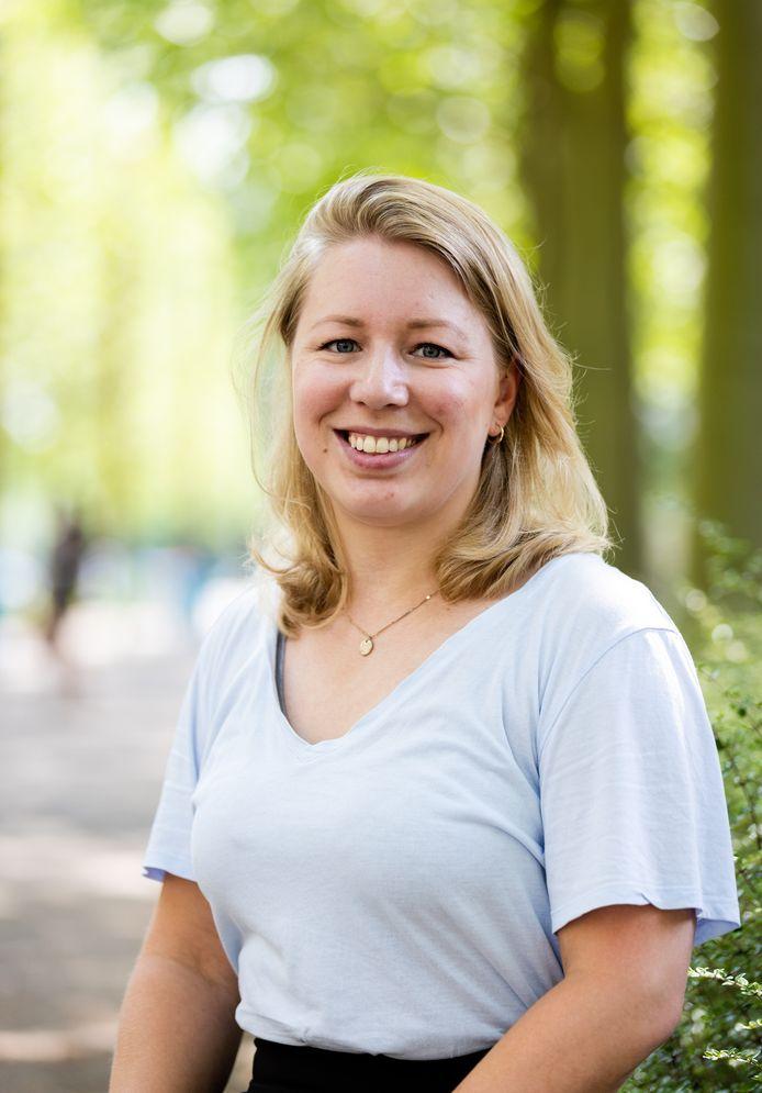 Emma Hofstra promoveert maandag met haar onderzoek naar de preventie van zelfmoord. Met een nieuwe methode is het aantal zelfdodingen in Brabant met 17 procent gedaald.
