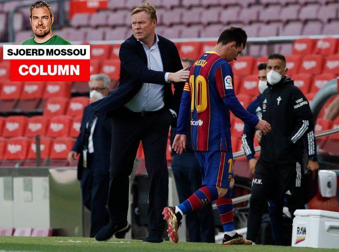Met één hand in zijn broekzak geeft Koeman Messi een schouderklopje.