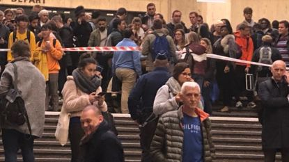 Alle schermen op zwart en geen aankondigingen: treinen staan twintig minuten stil in Brussel door IT-panne