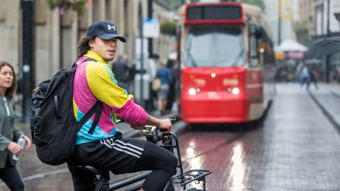 Overal verbeteren de fietspaden maar de Haagse binnenstad blijft achter: 'Mensen vallen hier dagelijks met hun fiets'