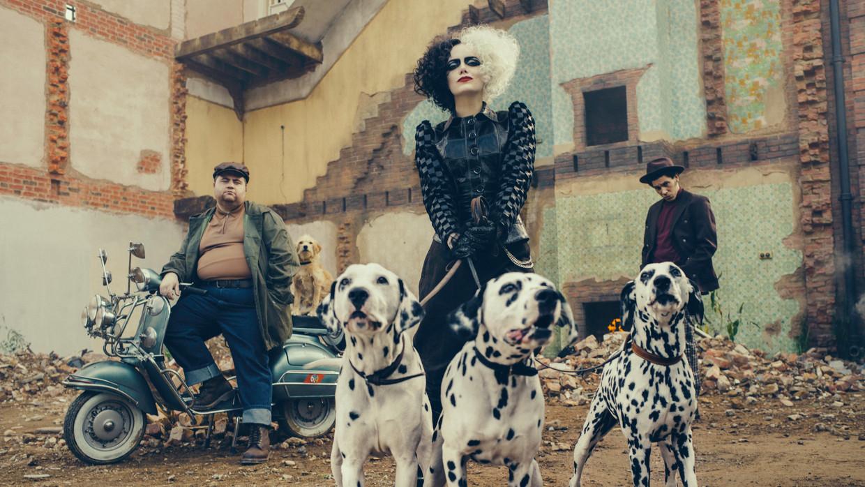 Emma Stone als Cruella De Vil. Beeld Disney