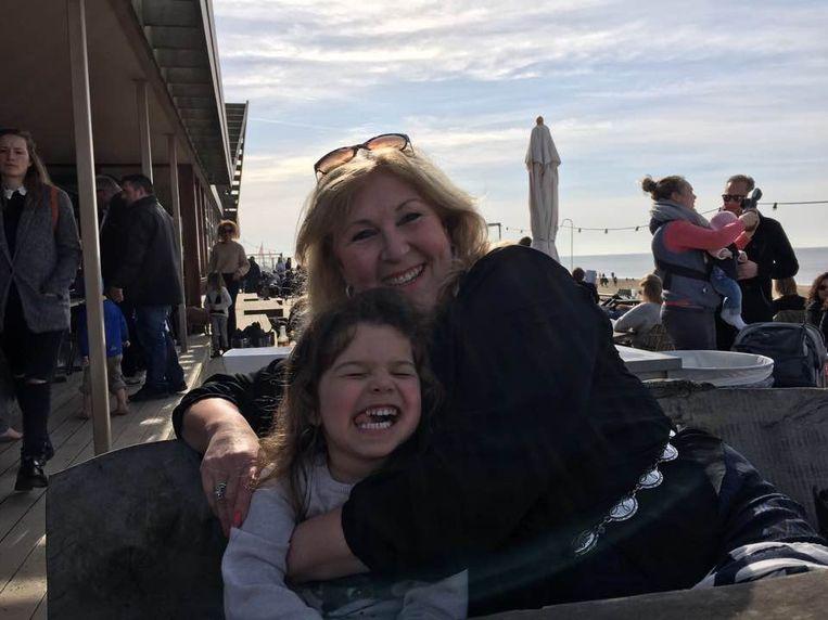 Renée Gutersohn en haar kleindochter Mila. Beeld Eigen archief