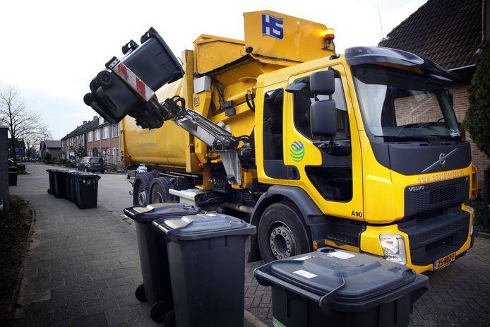 Waardlanden leegt afvalcontainers (archiefbeeld).