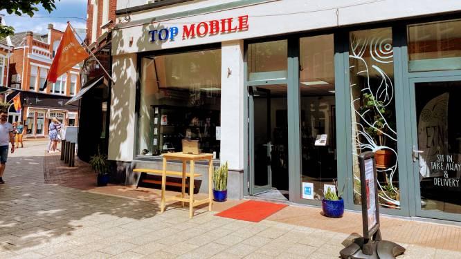 Corona kost Enschedese telefoniewinkel Top Mobile de kop