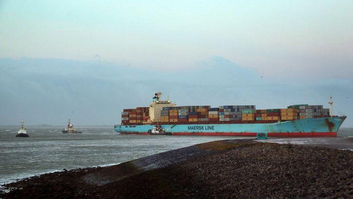 Twee jaar geleden kwam dit schip vast te zitten op de Westerschelde. (archieffoto)
