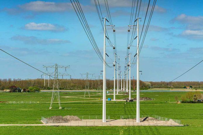 380 kV-hoogspanningsmasten.