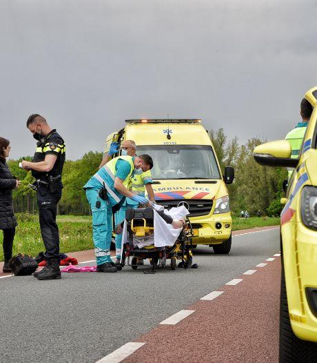 Scooterrijder onder invloed van alcohol botst op fietser in Haaren, slachtoffer met spoed naar ziekenhuis