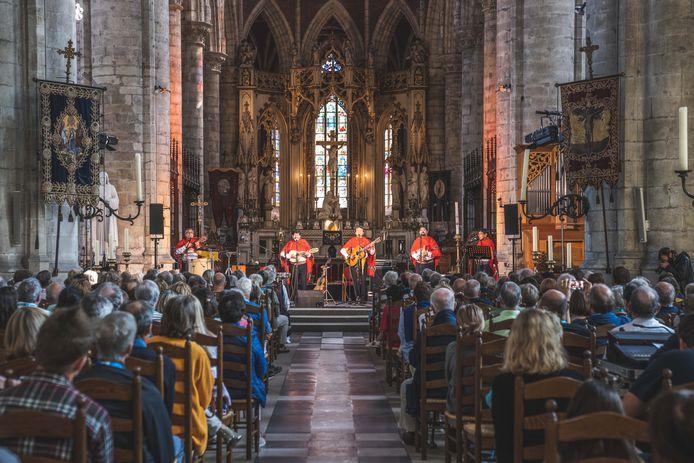Odegand in de Sint-Michielskerk in Gent. Met Covid Safe certificaat om concert te mogen bijwonen.